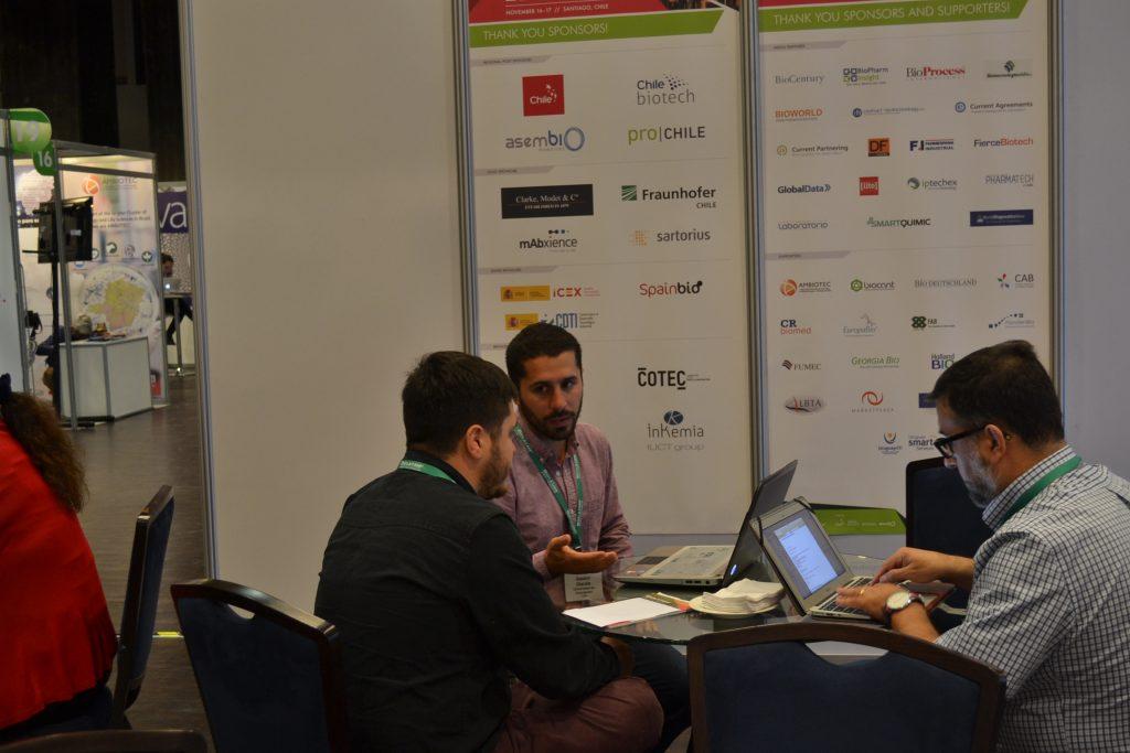 Gastón Otárola estableciendo nuevos contactos en Biolatam 2015